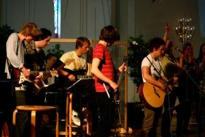Nystartat lovsångsteam från Brickebergskyrkan